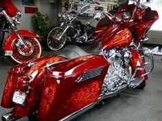 Flamed out Harley-Davidson Harley Bagger, Bagger Motorcycle, Motorcycle Types, Harley Bikes, Motorcycle Garage, Motos Harley Davidson, Harley Davidson Touring, Custom Harleys, Custom Bikes
