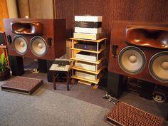 II/ Fotos de sistemas de audio de todo tipo / Pictures of Audio Settings / Аудио-системы в фотографиях - Página 2