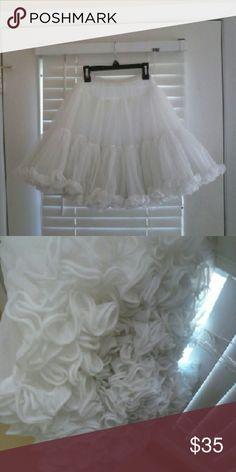 Vintage white skirt Vintage white skirt. No stains hand stitch. Dresses Wedding