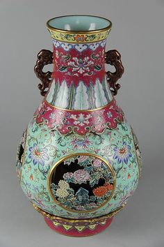 Vase Qing dynasty (1644–1911), Qianlong mark and period (1736–95) Date last quarter 18th century Culture China