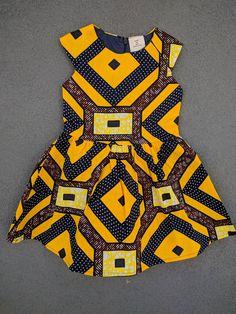 Youngland Little Girls Yellow /& Silver Flowy Sun Dress Sundress