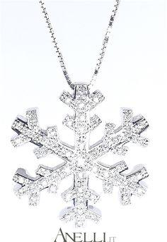 Ciondolo a fiocco di neve in oro bianco 18 karati e diamanti naturali..