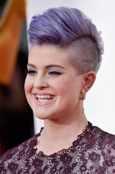 Kelly Osbourne Fauxhawk - Kelly Osbourne brought a dose of edge to the Emmys red…