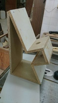 With this instructable, you can create your own lighting design for your garden with using concrete. Concrete is a cool material to work with, also a good choice for...