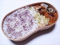 2012年10月31日(水) チーちく豚・大葉巻き,豆をミートソースで炊いたん,白菜浅漬け,ゆかり掛けご飯