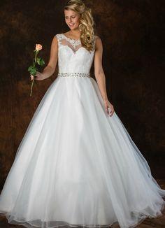 Romantische trouwjurk ALLF21 met tailleband en mooie applicatie boven het sweetheart décolleté. Formal Dresses, Wedding Dresses, Fashion, Dresses For Formal, Bridal Dresses, Moda, Bridal Gowns, Wedding Dressses, Weeding Dresses