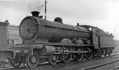 steam engines at sheffield station photos Steam Railway, British Rail, Old Trains, Train Engines, Steam Engine, Steam Locomotive, Diesel Engine, Old Photos, Trains