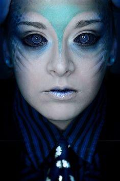 Sea monster or mermaid halloween makeup? Sfx Makeup, Costume Makeup, Face Makeup, Kohl Makeup, Siren Costume, Alien Make-up, Color Splash, Make Up Designs, Monster Makeup