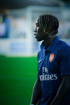 Miss you already Bacary Arsenal Players, Arsenal Fc, Football Soccer, Football Players, Big Shoulders, Hot Hair Styles, European Football, One Team, Short Hair Cuts