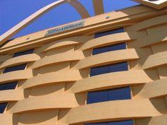Longaberger / Gigantic Picnic Basket Office Building
