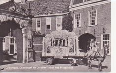 Groningen - Draaiorgel de Arabier voor het Prinsenhof