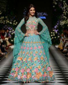 Hand Made Bridal lehenga sangeet lehenga Nomi Ansari Inspired Lehenga. Made on Order Indian Gowns Dresses, Indian Fashion Dresses, Indian Designer Outfits, Pakistani Dresses, Bridal Dresses, Designer Dresses, Indian Party Wear, Indian Bridal Outfits, Indian Wear