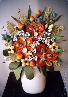 *QUILLING ~ Painting panels pattern Quilling Vase Bouquet in white paper strips plastic bottles Wire Photo 1
