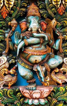 Siddhi Vinayaka Ganesha of Kauais Hindu Monastery by Christian Del Rosario Sri Ganesh, Ganesh Lord, Lord Vishnu, Lord Shiva, Ganesha Painting, Ganesha Art, Shiva Art, Ganesh Tattoo, Hindu Tattoos