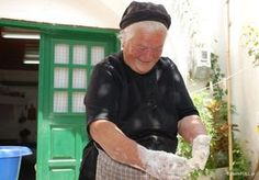 Bread making in the village Croissant Donut, Go Greek, How To Make Bread, Bread Making, People Of The World, Greek Recipes, Crete, Food, Greek Beauty
