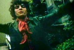 Happy Syd outside Abbey Road studios.