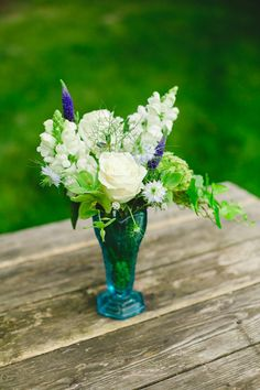 blue and white wedding flowers
