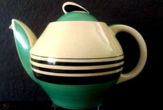 Susie Cooper, Teapots And Cups, Art Deco Design, Green Turquoise, Geometric Art, Coffee Time, Tango, Vintage Kitchen, Nifty