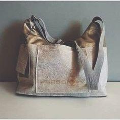 White gold bag | #refashion of a #borbonese bag |  #handmade #fabricbag #ecoleather #ecoleatherbag #borbonesebag #whitegold #restyle #recycle #reuse #crafty #creative #fashion #springsummer #shoulderbag #bag #pocket #handmadebags #fabric #craftyamelia #craftyameliabag #pic #photo #fashionblogger #bagblogger #fashionbag #stylishbags #madeincremona
