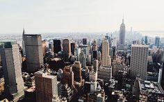 wohl der zweitbeliebteste ort für startups in den usa, nach dem silicon valley: new york city. keine stadt ist wohl näher am puls der zeit wie die millionenmetropole an der ostküste der vereinigten staaten. sie bietet das optimale umfeld für entrepreneure und solche, die es werden wollen, nicht zuletzt durch die unvergleichbare dynamik, die new york bietet. vom tellerwäscher zum millionär – oder umgekehrt: im big apple kein ungewöhnliches ereignis.