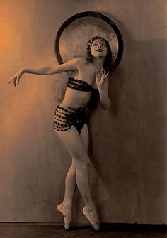 ✿ 1920s ballet dancer showgirl ✿