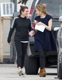 Lea Michele and Skyler Samuels on the Scream Queens set