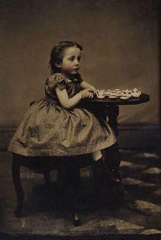 my-little-time-machine:  Tea set - c. 1890s - (Via)