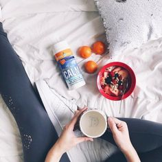 Fresh appetite, fresh attitude 🍊🍓🍌 Link in bio to shop pillows ✨ 7 days left to hunt for items sold for only 1 cent 😱 📷 Magnesium Drink, Calm Magnesium, Breakfast In Bed, Morning Breakfast, Yogurt Parfait, Homemade Yogurt, Food Pictures, Food Porn, Healthy Recipes