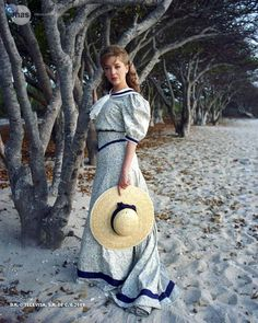 jr ward un amore selvaggio Edith Gonzalez, Music Tv, Panama Hat, Straw Bag, Vintage Fashion, Movies, Style, Tvs, Nostalgia