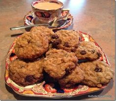 Best Old Fashioned Oatmeal Chocolate Chip cookies EVER! Click through for recipe.