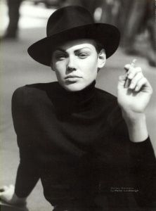 Image shirley mallmann by peter lindbergh for vogue italia 1997 in Beauties album Peter Lindbergh, Jean Paul Goude, Shalom Harlow, Paolo Roversi, Karen Elson, Portraits, Milla Jovovich, Craig Mcdean, Monochrom