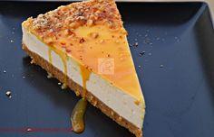 Tort cu blat de biscuiti si crema de iaurt si caramel | CAIETUL CU RETETE