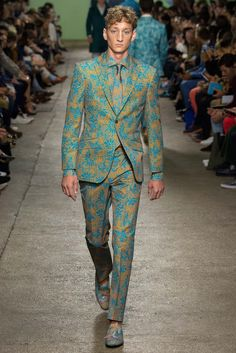 Richard James Spring 2016 Menswear Fashion Show Suit Fashion, Fashion Show, Mens Fashion, Fashion Design, Male Fashion Trends, African Men Fashion, Gq Men, Mens Trends, Spring Summer 2016