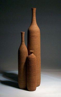 vasi page vanni donzelli Ceramic Clay, Ceramic Pottery, Pottery Art, Fired Earth, Keramik Vase, Pottery Designs, Contemporary Ceramics, Ceramic Artists, Wabi Sabi