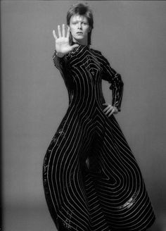 See David Bowie pictures, photo shoots, and listen online to the latest music. Angela Bowie, Bowie Ziggy Stardust, David Bowie Ziggy, Duncan Jones, The Thin White Duke, Frank Stella, Major Tom, David Jones, Mode Style