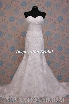 1393 Strapless fitted tulle and lace gown saga Wedding Dress