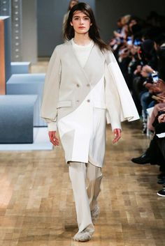 See the complete Tibi Fall 2015 Ready-to-Wear collection.