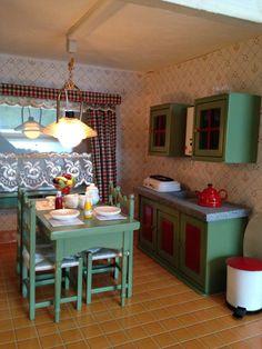 Keuken van mijn Albin Schönherr huis met gordijnen