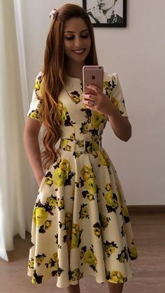 Fashion Evangelica Young Skinny 43 New Ideas Flowery Dresses, Modest Dresses, Modest Outfits, Modest Fashion, Elegant Dresses, Cute Dresses, Vintage Dresses, Dress Outfits, Casual Dresses