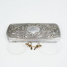 Vintage reading glasses Vintage eye glasses Vintage Spectacle Case Eyeglass case…