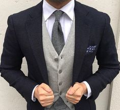 Combining a navy knit blazer and a grey wool waistcoat will allow you to exhibit your outfit coordination chops. Mens Fashion Suits, Mens Suits, Male Fashion, Fashion Outfits, Brown Suits, La Mode Masculine, Knit Blazer, Dapper Men, High Fashion