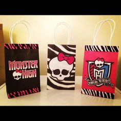 Monster High Party Favor Goody Bags.----Monster High Party for Belle