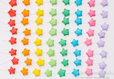 Móvil colorido con estrellas de origami - Guía de MANUALIDADES Abstract, Artwork, Amor, Origami Stars, Colors, Party, Work Of Art, Summary