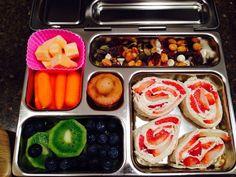 Carrots, mini muffin, kiwi