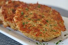 Haferflocken-Käse-Bratling Oatmeal – Cheese – Patty from verdandi Easy Dinner Recipes, Breakfast Recipes, Easy Meals, Snack Recipes, Burger Recipes, Protein Desserts, Protein Snacks, Avocado Dessert, Cheese Patties