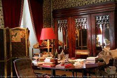 Renaud Camus Le Jour ni l'Heure 6960 : salon de la maison di Bailli, demeure de Jean Cocteau, 1889-1963, à Milly-la-Forêt, Essonne, Île-de-France, vendredi 10 août 2012, 16:11:59