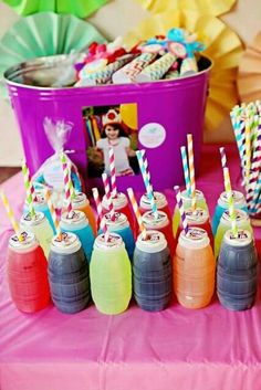 My little pony birthday ideas - Shopkins Party Ideas Rainbow Dash Birthday, Rainbow Dash Party, Rainbow Parties, Rainbow Drinks, Rainbow Party Decorations, Colorful Drinks, Rainbow Theme, Halloween Decorations, Trolls Birthday Party