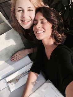 Image uploaded by Martina Stoessel. Find images and videos about martina stoessel, ️tini and mercedes lambre on We Heart It - the app to get lost in what you love. Violetta And Leon, Violetta Disney, Disney Shows, Ambre, Mercedes, Elle Magazine, Disney Channel, Actors & Actresses, We Heart It