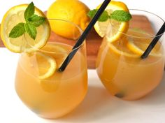 Thai Mango Passion Cocktail - a Superb Party Drink! Mango Cocktail, Cocktail Garnish, Cocktail Recipes, Cocktails, Drink Recipes, Thai Mango, Party Drinks, Summer Drinks, Drinking Tea