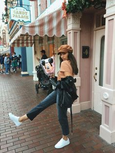 3 Things You Can Do To A Woman disney outfit Disneyland Photos, Disneyland Outfits, Disney Outfits, Cute Outfits, Hongkong Disneyland Outfit, Hongkong Outfit, Disneyland Outfit Summer, Skater Outfits, Disneyland Trip